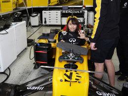 如何开走一辆F1?西班牙赛道深度纪实