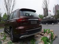 大7座智联网豪华SUV荣威RX8亮相哈尔滨