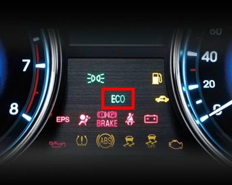 开启eco模式,车辆会自动匹配最佳挡位,转速以减少油耗,同时以指示灯